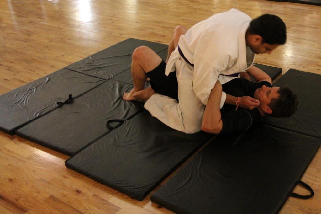 Brazilian Jiu Jitsu (BJJ) Choke Release -- attack