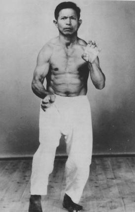 Kanei Uechi, son of Uechi-Ryu founder Kanbum Uechi,